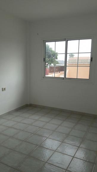Chayofa piso 1 habitacion con garaje cerrado y excelentes for Piso 1 habitacion